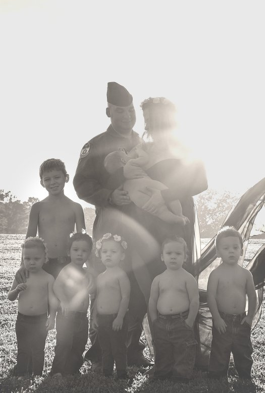 TheHoffmanQuintuplets-America'sFirstMilitaryQuintuplets-CaglianiCaptures(32).jpg